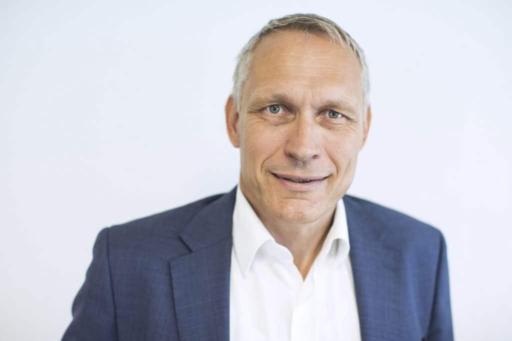 Zu sehen ist Jan Hendrick Pietsch, Nachhaltigkeitsbeauftragter bei der Hamburger Hafen und Logistik AG
