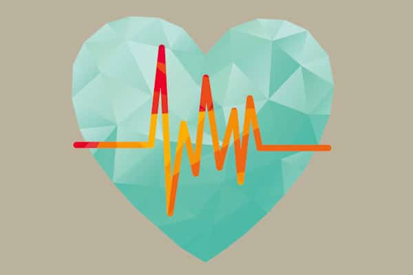 Eine Grafik mit großem hellblauen Herzsymbol im Zentrum. Darüber ist die Aufzeichnung einer normalen Herzfrequenz gelegt.