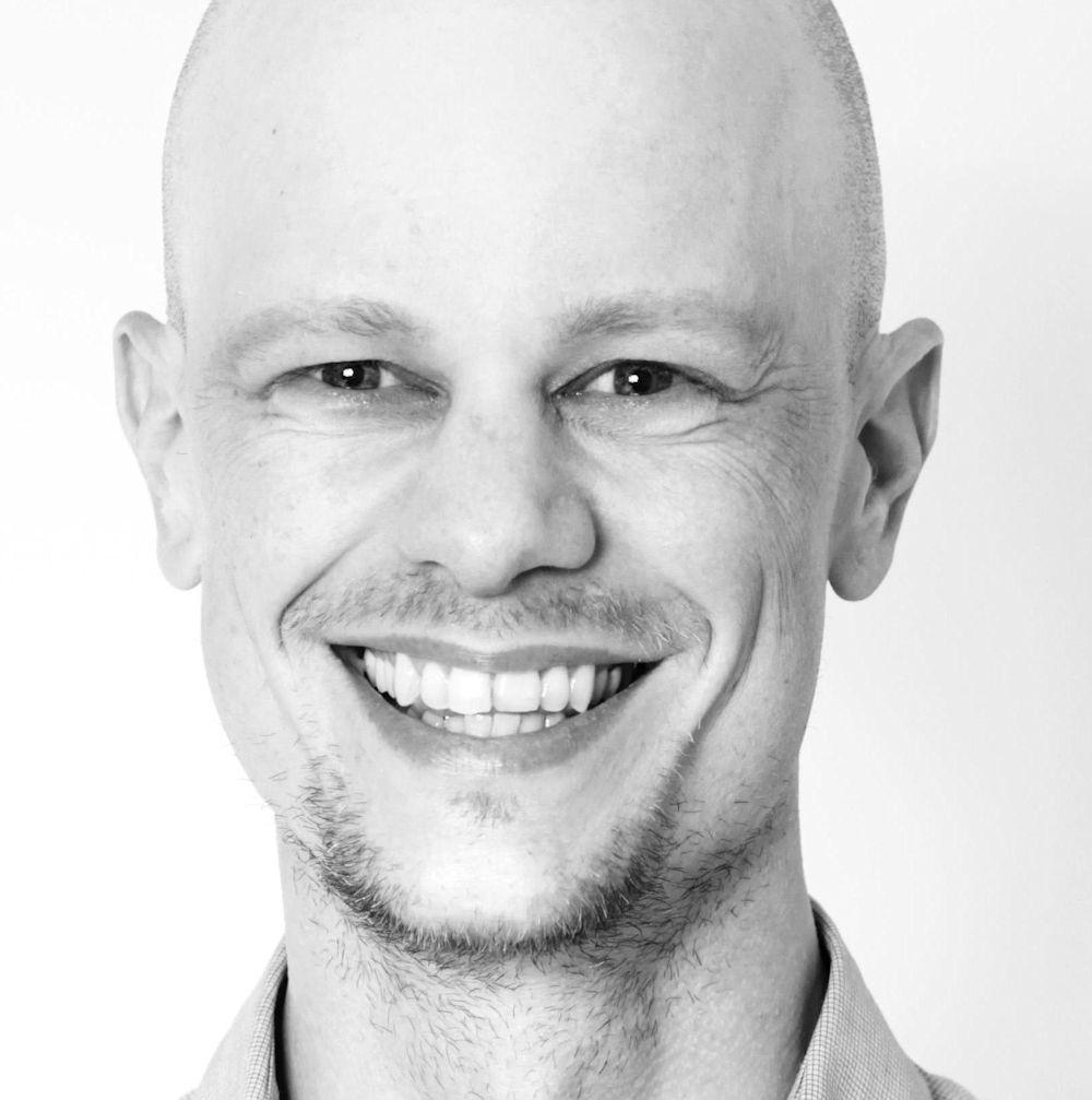 Das Portrait zeigt den externen Autor Klaus Lüber.